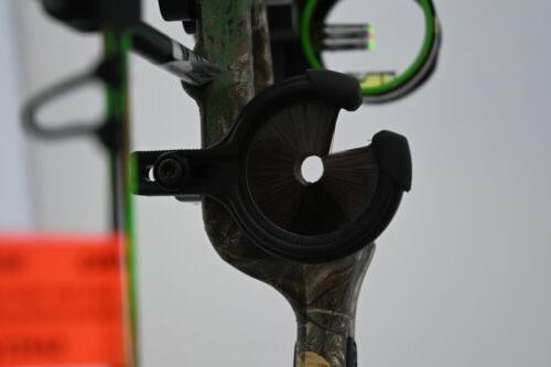 Bear Archery Cruzer 5-70# Right Hand Bow Pkg Camo Arrows & Release