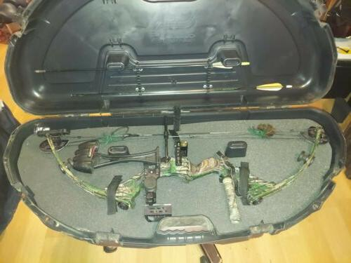 compound bow with case