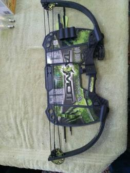 NEW Barnett Tomcat Junior Compound Bow Archery Set Right Han