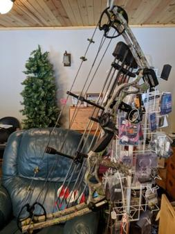 """New compound bow RH all setup 40-65 lbs 25-31""""these are grea"""
