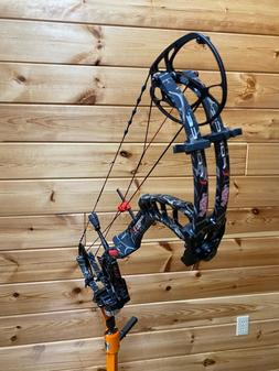"""New PSE FULL THROTTLE 28"""" 65LB SKULLWORKS CAMO COMPOUND BOW"""